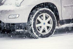 일본에서 드라이브를 즐길 시에「스터드레스 타이어 렌트카」를 빌리는 방법
